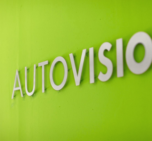<brand>AutoVision<br></brand>Screendesign