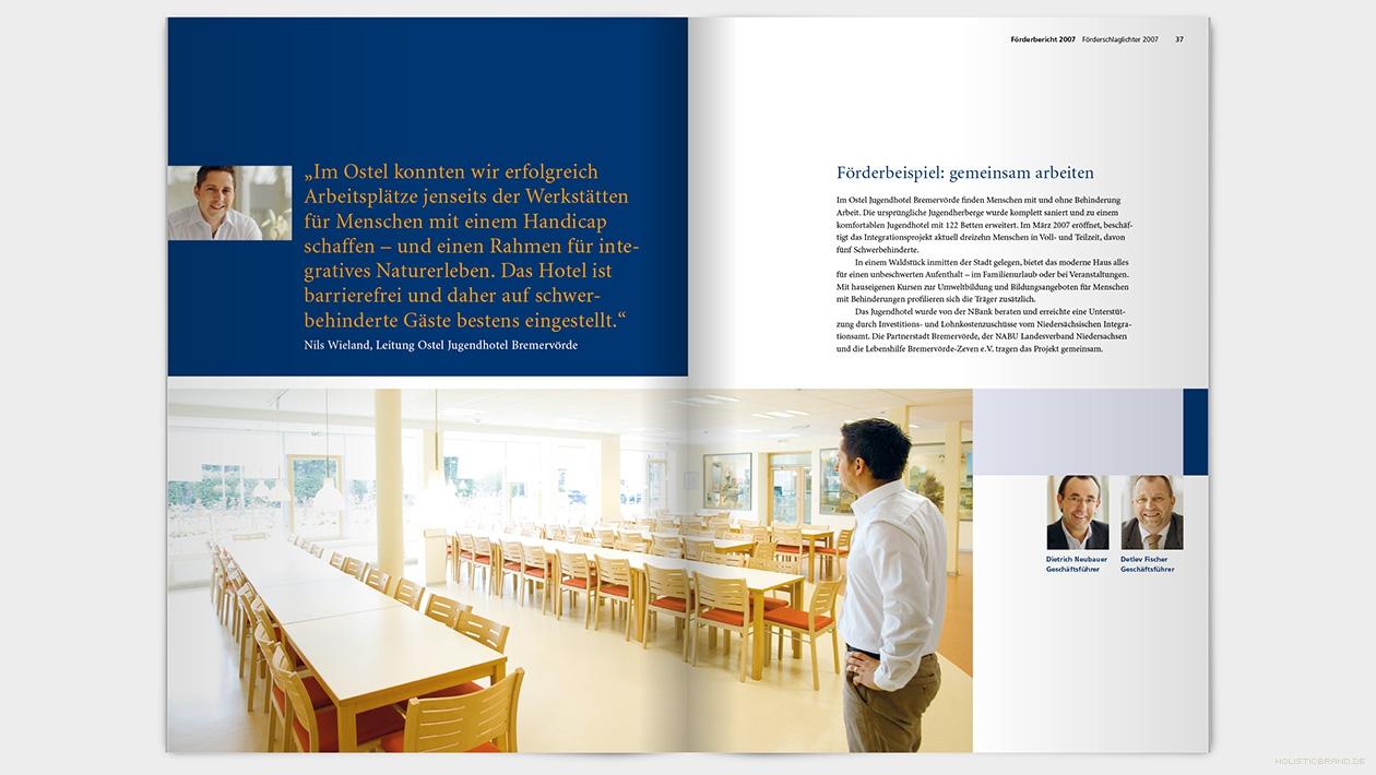 Layout einer Doppelseite mit groflächigem Bild und Text